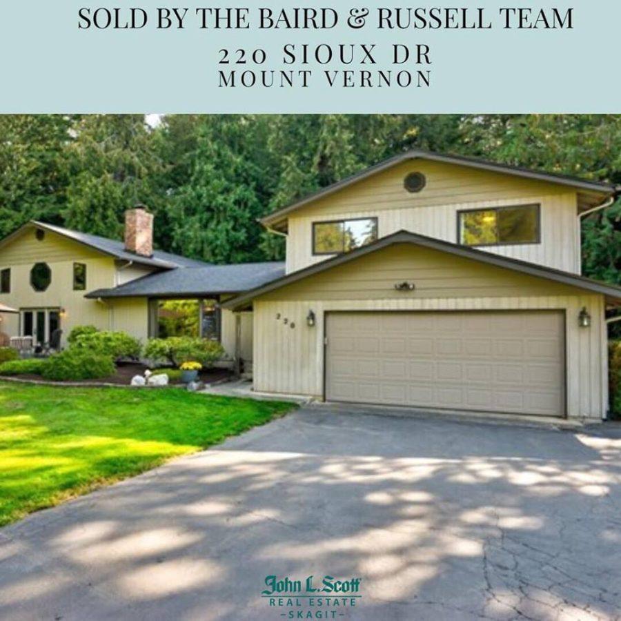 Sold in Thunderbird! 220 Sioux Drive, Mount Vernon